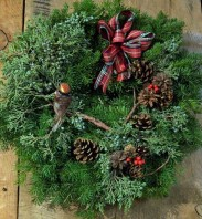 bird-in-branch-christmas-wreath-675