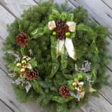 bobbles-and-bows-wreath-675