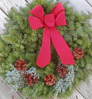 classic-holiday-wreath-675