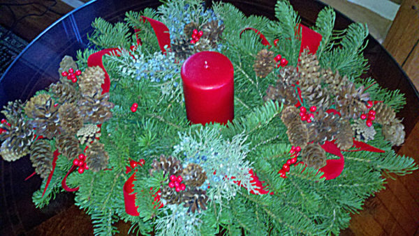 oval-christmas-centerpiece-675